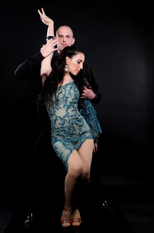 סטודיו לריקודים סלוניים ולטיניים -לרקוד מהלב - בריקוד רומבה