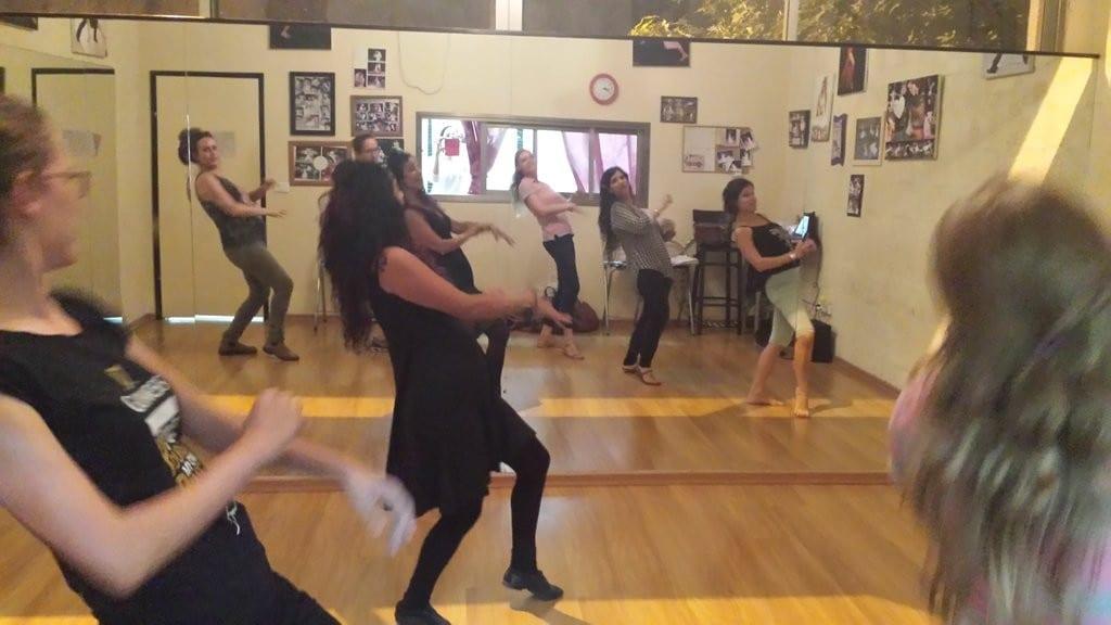 סדנת ריקוד ליום הולדת מיוחדת לנשים - סדנת ריקוד חופשי