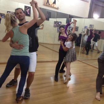 סדנאות ריקוד קבוצתיות
