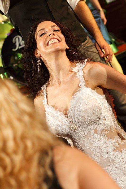 ריקוד חופשי ברחבה לחתונה