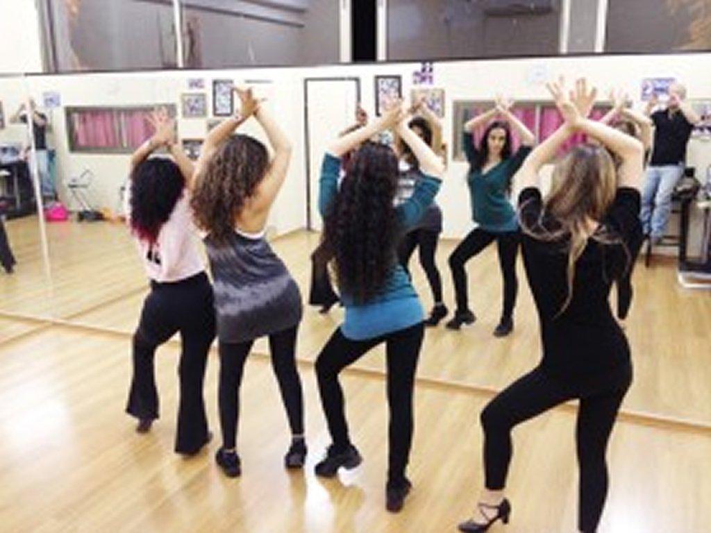 שיעורי ריקוד קבוצתיים