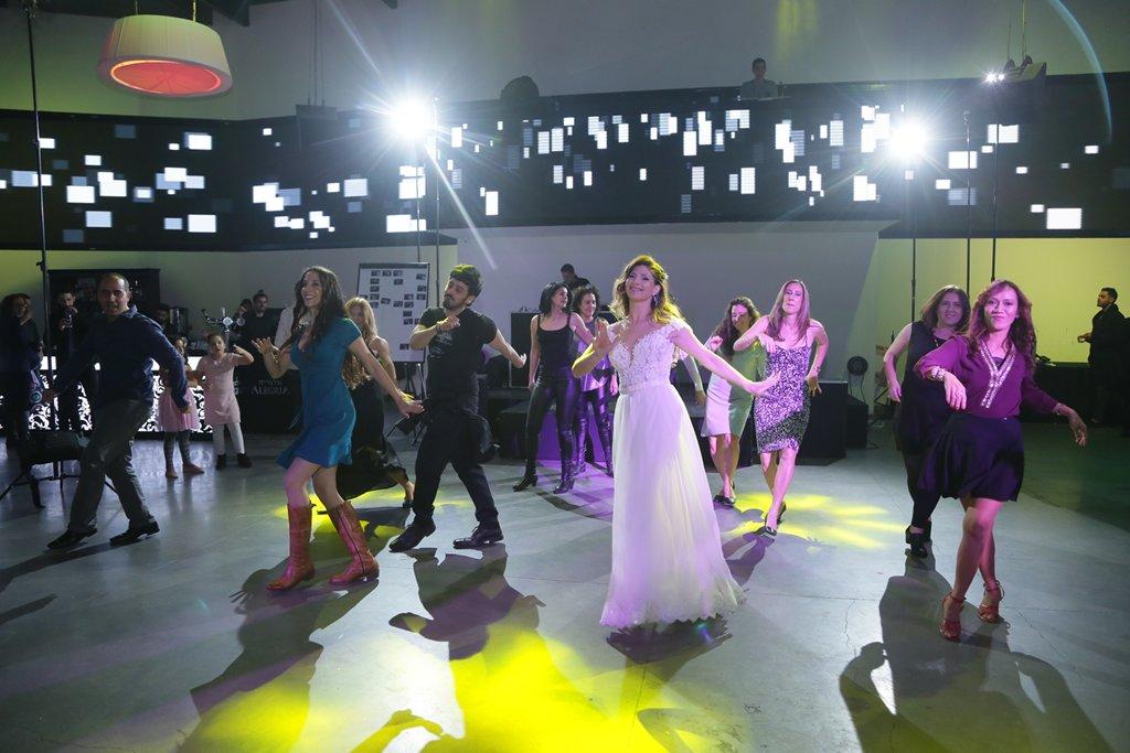 ריקוד פלאש מוב המוני בחתונה עם סטודיו לרקוד מהלב