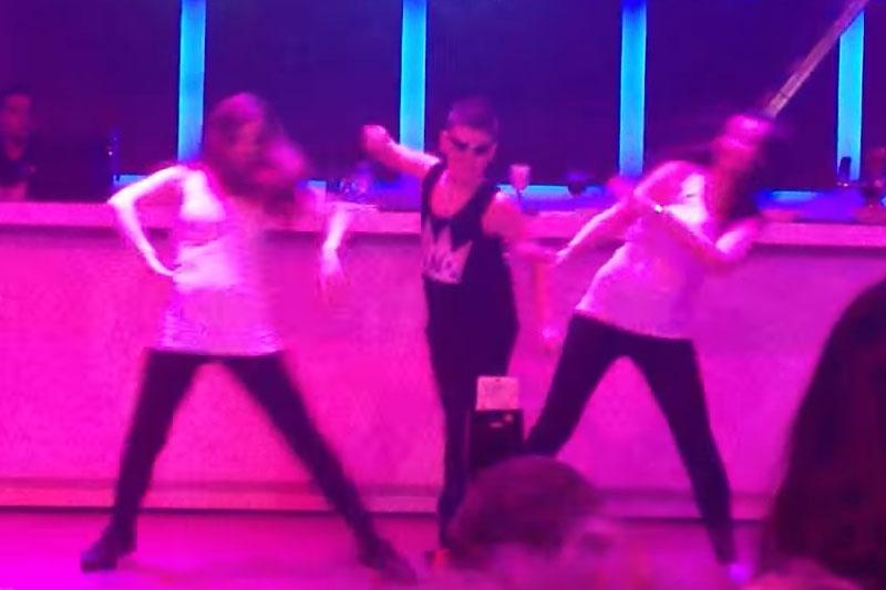 ריקוד בר מצווה עם רקדניות